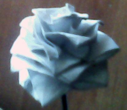 Посмотрите, какие здесь розы-оригами (и их схемы и видео) http://roza-origami.narod.ru Конечно, тот, кто облазил весь...