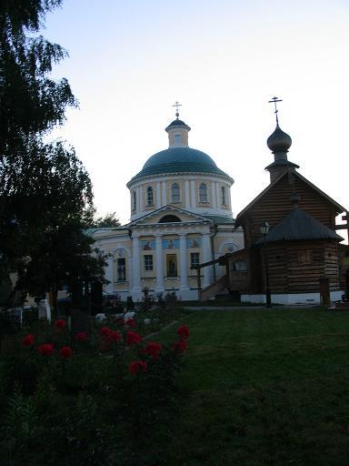Уже_вечер_и_церковь_закрыта_для_свободного_посещения.JPG
