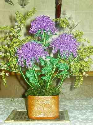 Букеты цветов из бисера - Делаем фенечки своими руками.